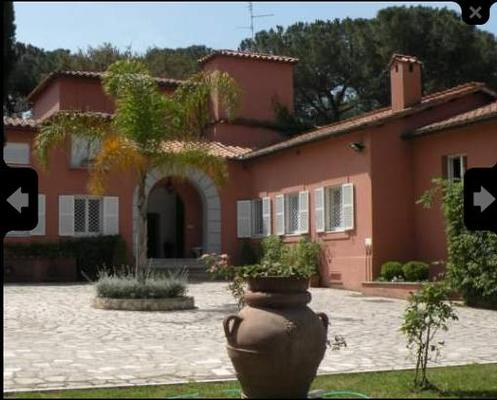 A Villa with offices in Rome