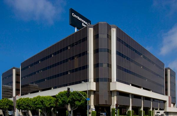 Convenient Access to both 405 & 10 Freeway - Los angeles Office Space
