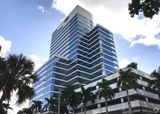 Well equipped Executive Office in the heart of Downtown Ft. Lauderdale