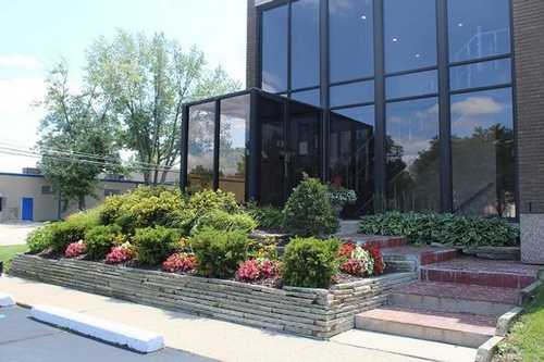 Ideal Office Space in Livonia