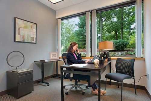 Bull Street Savannah office space available now - zip 31401