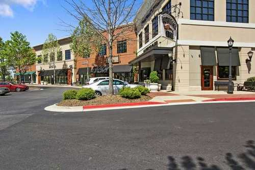 Shoppes at Webb Gin Snellville office space available now - zip 30078