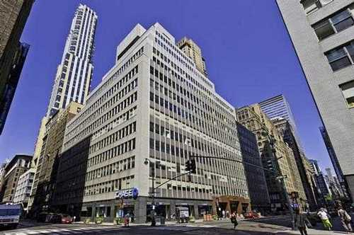 Midtown Manhattan New York office space available now - zip 10017