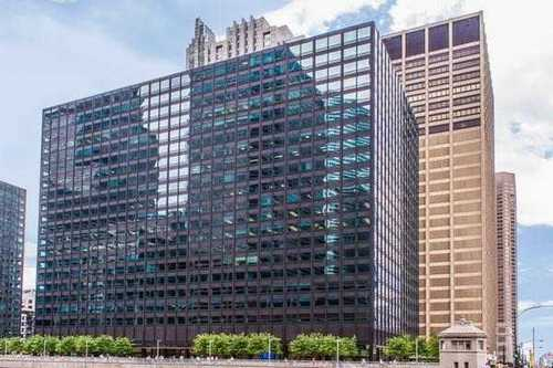 West Loop Riverside Plaza Chicago office space available  - zip 60606