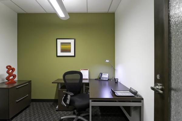 Esplanade IV Phoenix office space available - zip 85016