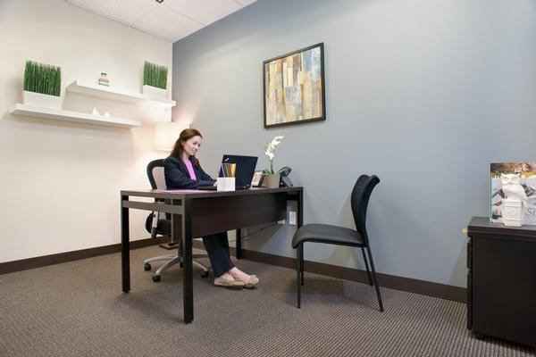 Place St. Charles New Orleans office space available now - zip 70170