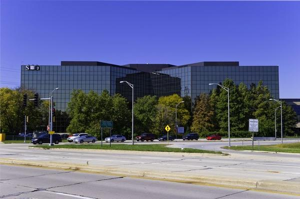 Old Orchard Skokie office space available now - zip 60077