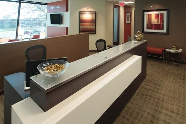 College Avenue Appleton office space available now - zip 54914